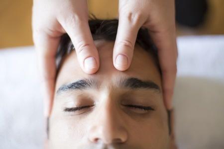 Wie arbeitet man körperpsychotherapeutisch mit Berührung?
